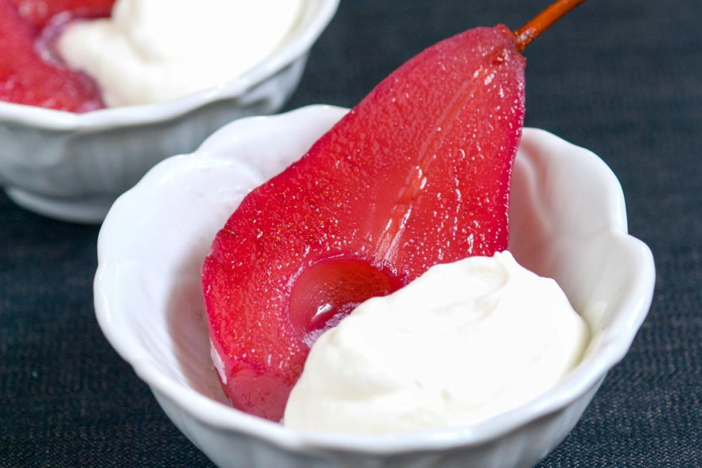 Easy Red Wine Poached Pears Recipe