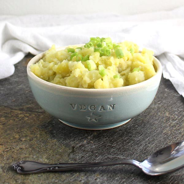 Fluffy Vegan Pressure Cooker Mashed Potatoes